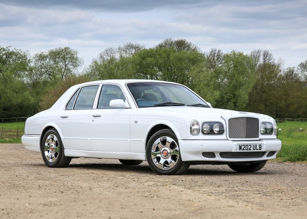 Lot 211 - 2000 Bentley Arnage (Red Label)