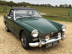 Navigate to Lot 325 - 1970 MG Midget