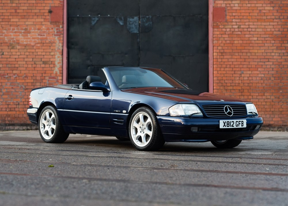 Lot 248 - 2000 Mercedes-Benz 320 SL Roadster Designo Edition