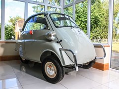 Navigate to Lot 140 - 1957 BMW Isetta 300