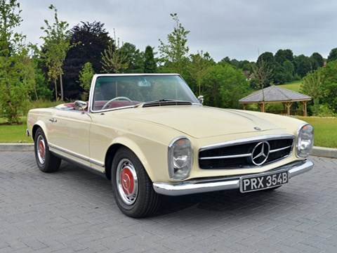 Ref 47 Mercedes-Benz 230 SL Roadster