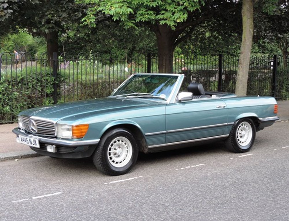 Lot 262 - 1984 Mercedes-Benz SL380 Roadster