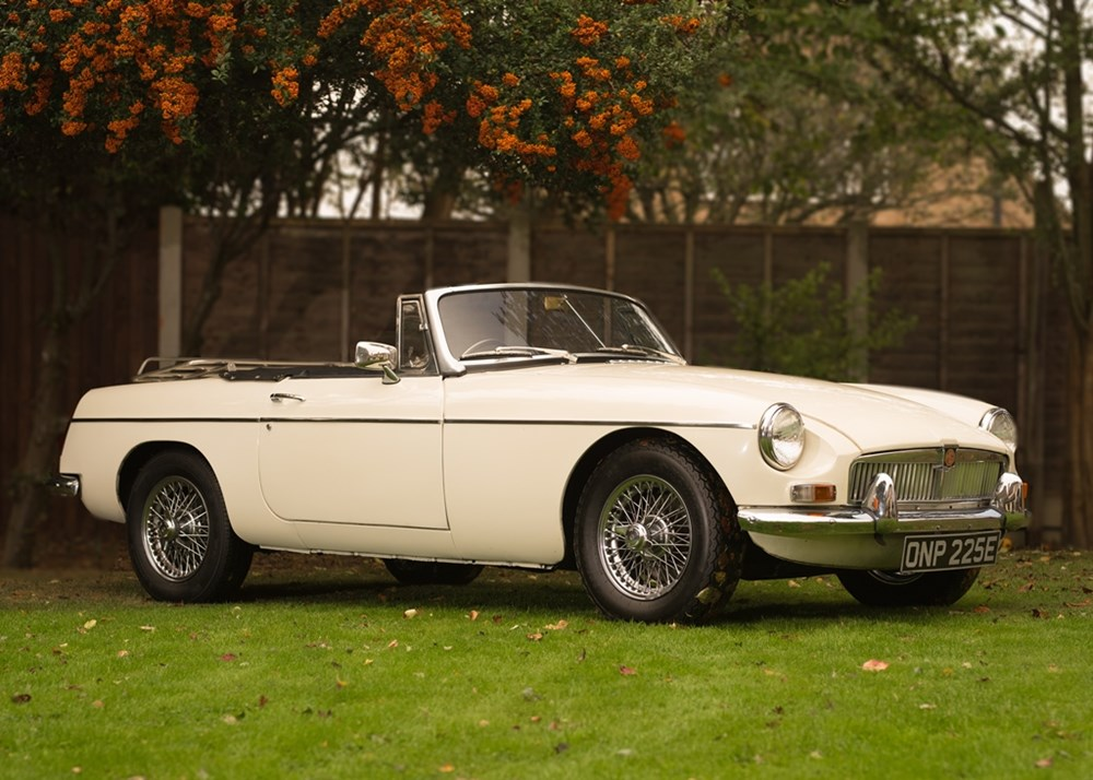 Ref 25 1967 MGB Roadster - Classic & Sports Car Auctioneers