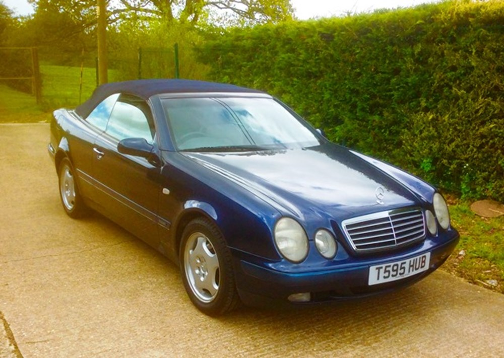Lot 260 - 1999 Mercedes-Benz 230CLK Elegance Convertible
