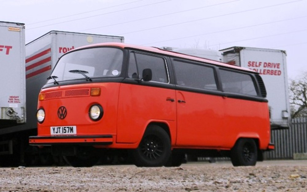 Lot 302 - 1974 13105 T2 (Bay-Window) Campervan