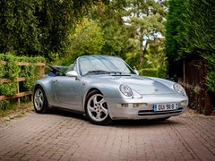 Navigate to Lot 145 - 1995 Porsche 911/993 Carrera Convertible