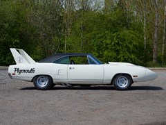Navigate to Lot 224 - 1970 Plymouth Road Runner to Superbird Specification