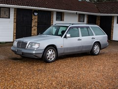 Navigate to Lot 185 - 1995 Mercedes-Benz E280 Estate