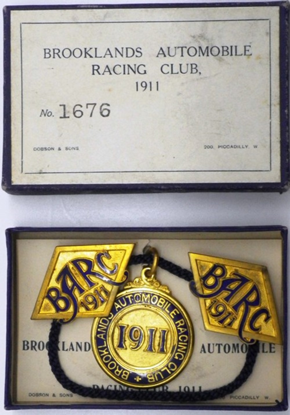 Lot 64 - Brooklands member's badges