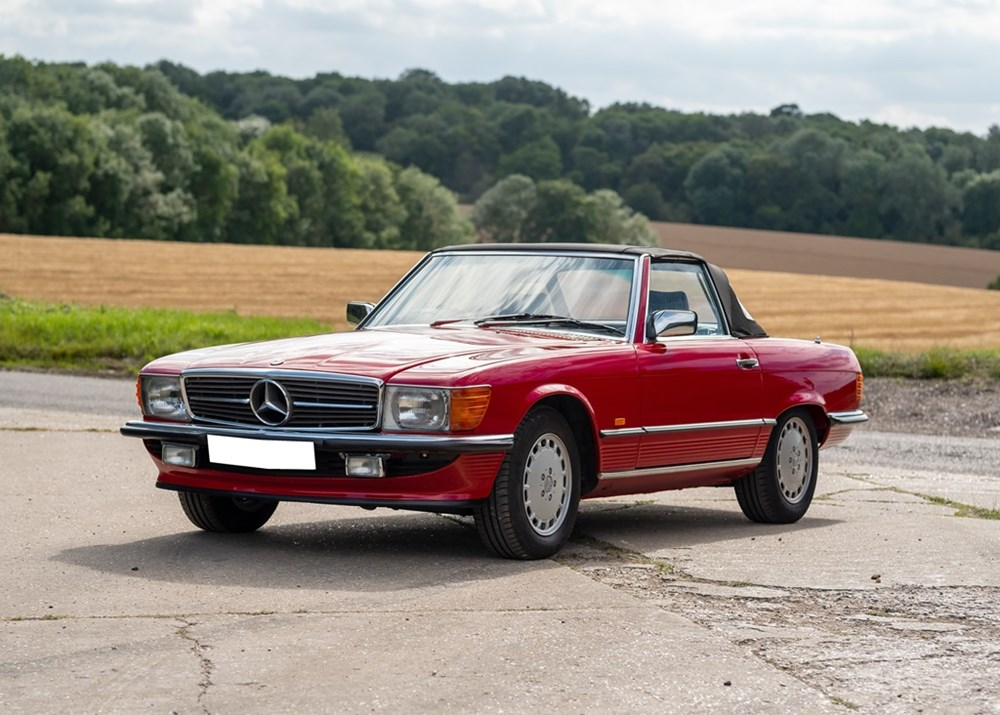 Lot 219 - 1989 Mercedes-Benz 300 SL Roadster