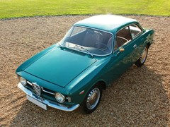 Navigate to Lot 206 - 1967 Alfa Romeo Giulia GT 1300 Junior