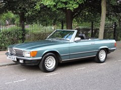 Navigate to Lot 262 - 1984 Mercedes-Benz SL380 Roadster