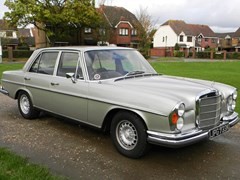 Navigate to Lot 258 - 1972 Mercedes-Benz 280 SE 3.5 Saloon
