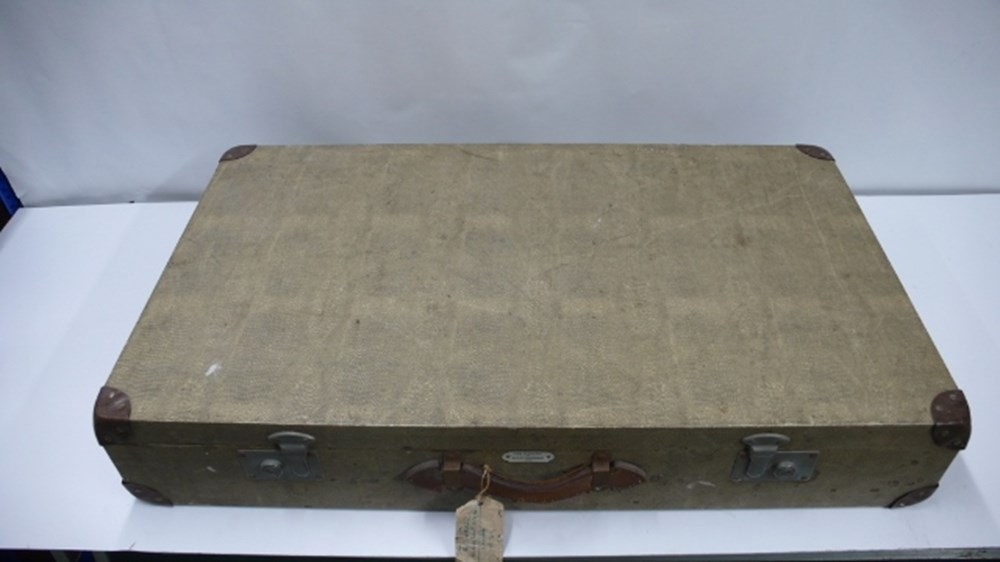 Lot 77 - Mercedes-Benz luggage.