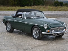 Navigate to Lot 218 - 1968 MG C Roadster