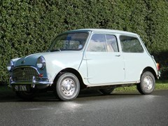 Navigate to Lot 226 - 1963 12851 Mini De Luxe