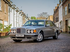 Navigate to Lot 119 - 1997 Bentley Turbo R