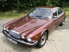 Navigate to Lot 213 - 1981 12947 XJ6 Series III