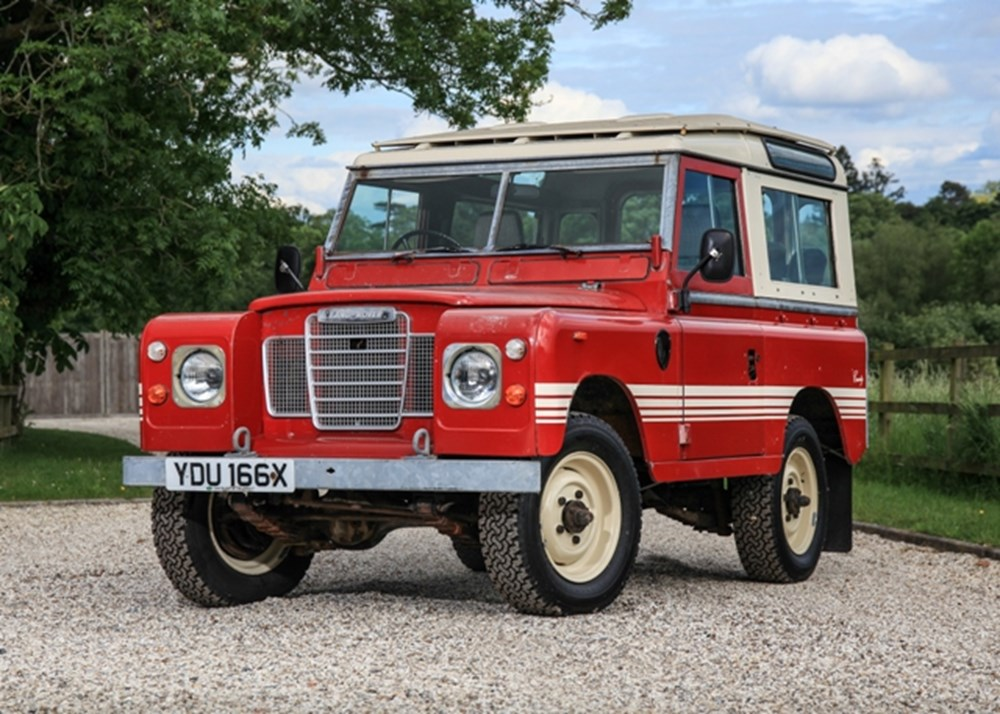 Lot 131 - 1982 Land Rover Series III 88 Country (short wheelbase)