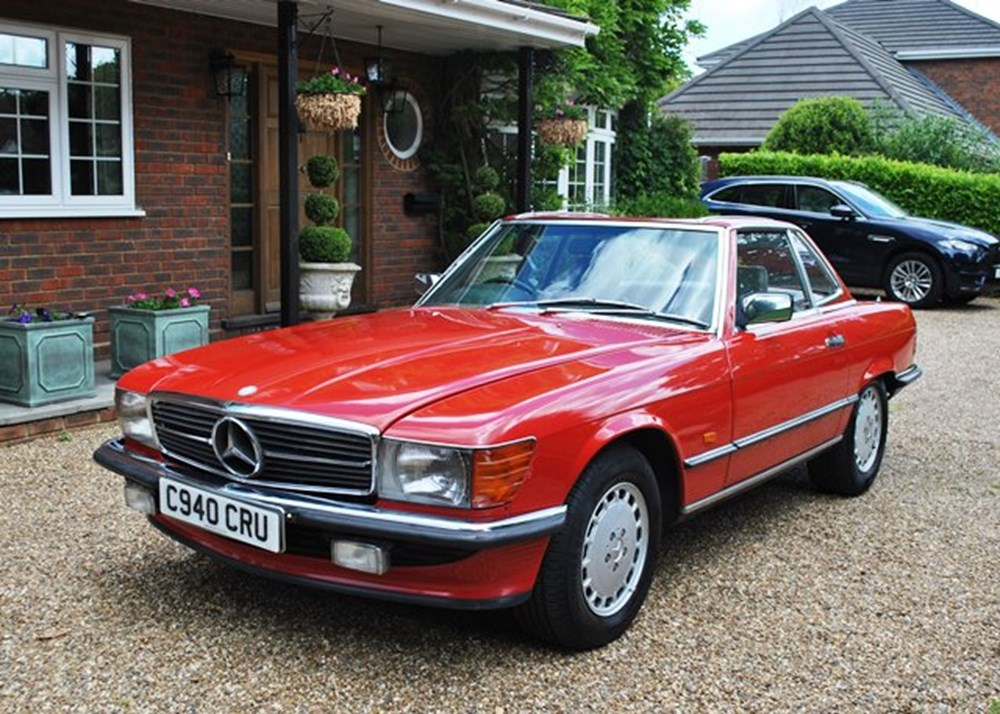 Lot 120 - 1986 Mercedes-Benz 300 SL Roadster