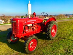 Navigate to Lot 103 - 1940 International Harvester Standard W4 McCormick Tractor