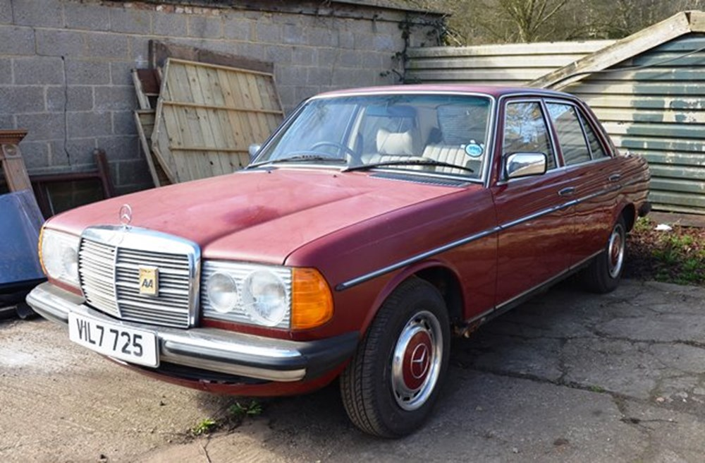Lot 295 - 1979 Mercedes-Benz 230 Saloon