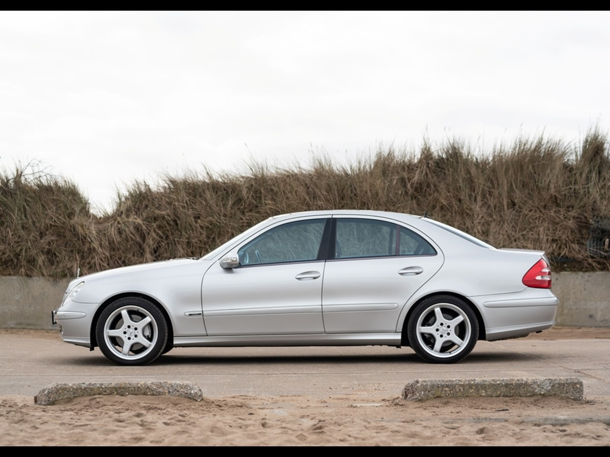Lot 109 - 2002 Mercedes-Benz E500 Avantgarde