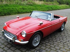 Navigate to Lot 395 - 1968 MG C Roadster