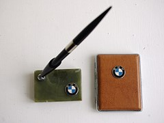 Navigate to BMW desk pen and stand
