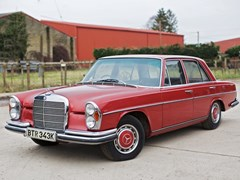 Navigate to Lot 232 - 1972 Mercedes-Benz 280 SE Saloon