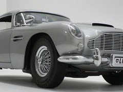 Navigate to James Bond Aston Martin DB5