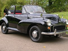 Navigate to Lot 302 - 1963 Morris Minor 1000 Convertible