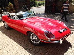 Navigate to Lot 165 - 1961 Jaguar E-Type Series I Roadster 'Flat floor'
