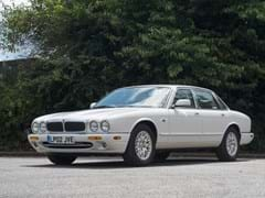 Navigate to Lot 126 - 2002 Jaguar XJ8 3.2 V8
