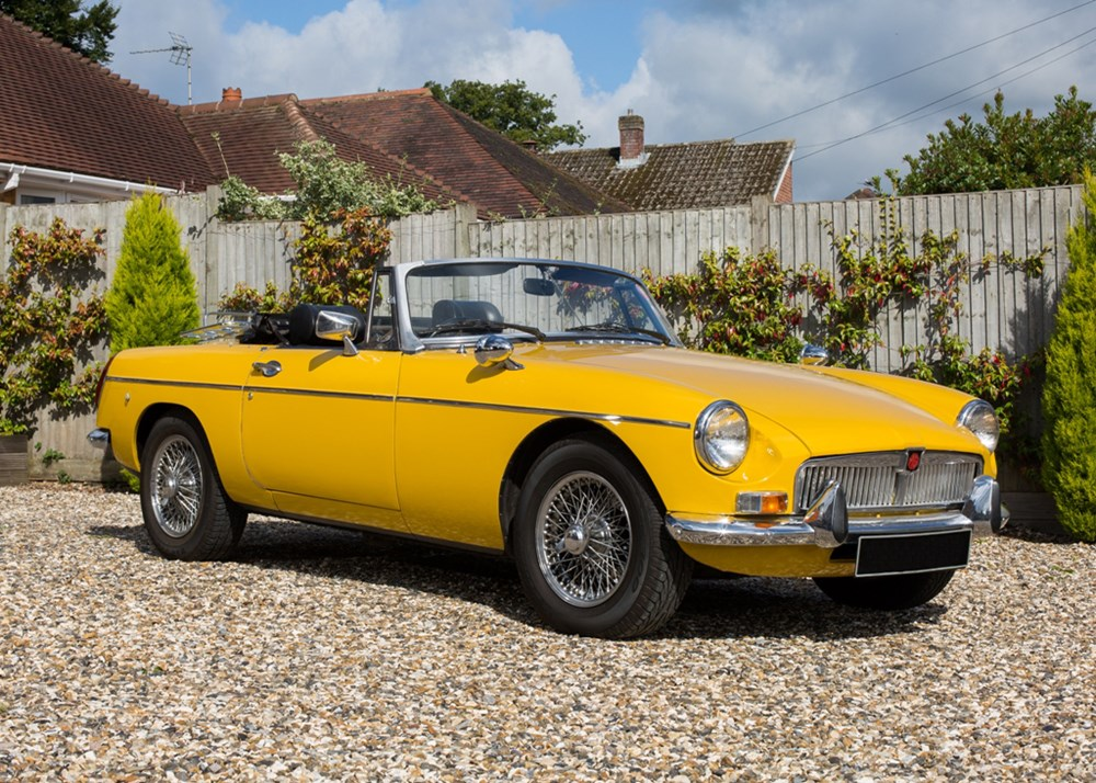 Lot 135 - 1974 MG Roadster