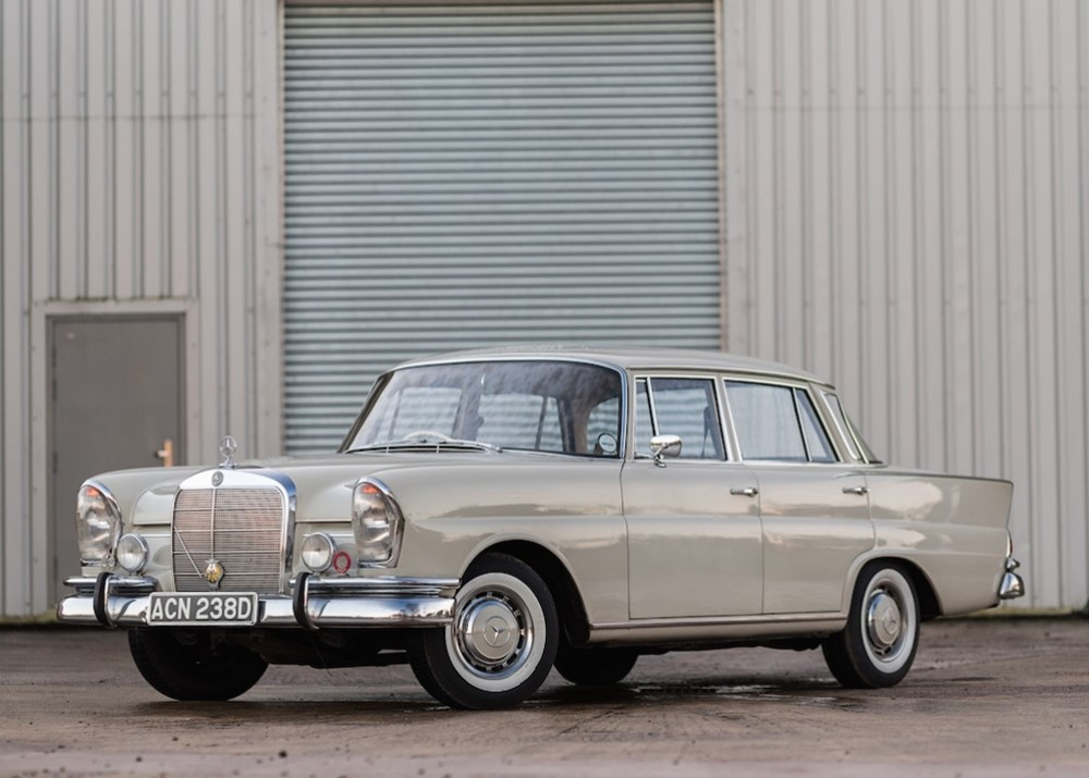 Lot 346 - 1966 Mercedes-Benz 230 S Fintail
