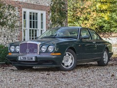 Navigate to Lot 303 - 1993 Bentley Continental R