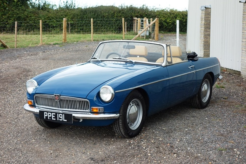 Lot 157 - 1973 MG B Roadster
