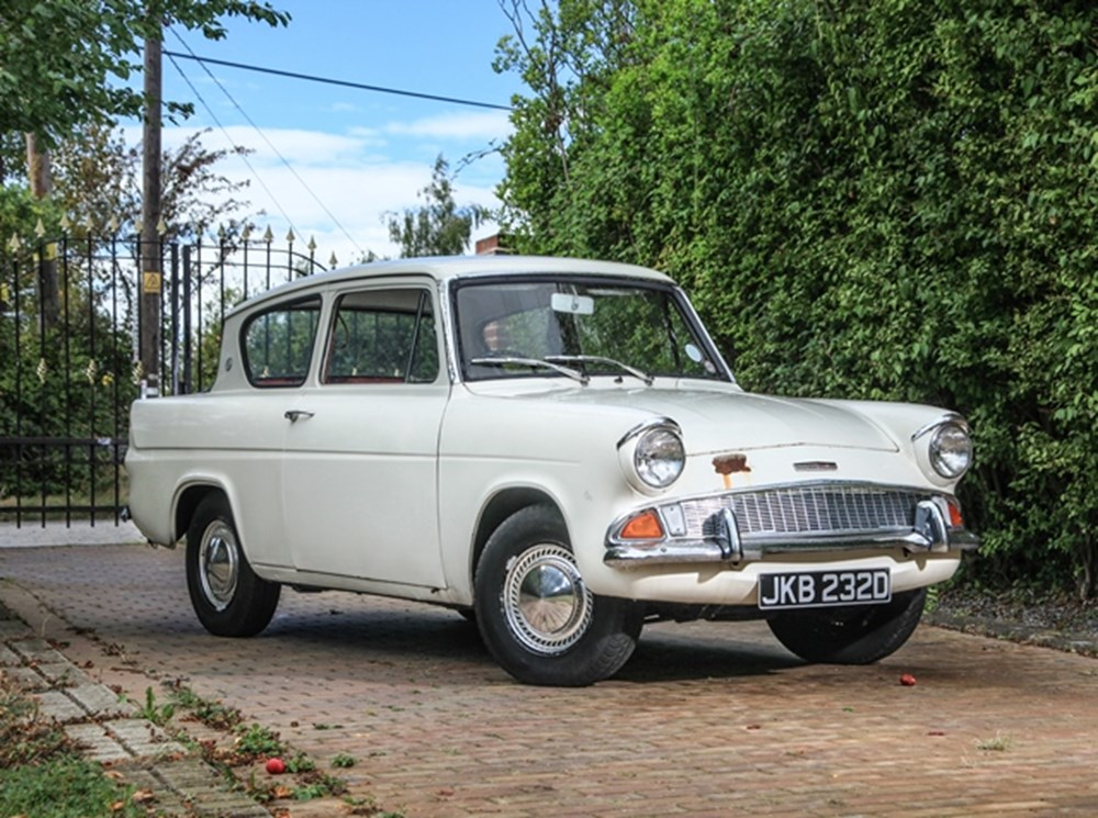 Lot 126 - 1966 Ford Anglia
