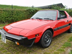 Navigate to Lot 304 - 1988 Bertone X1/9 by Fiat