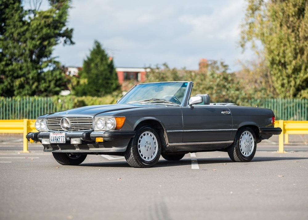 Lot 298 - 1987 Mercedes-Benz 560 SL Roadster