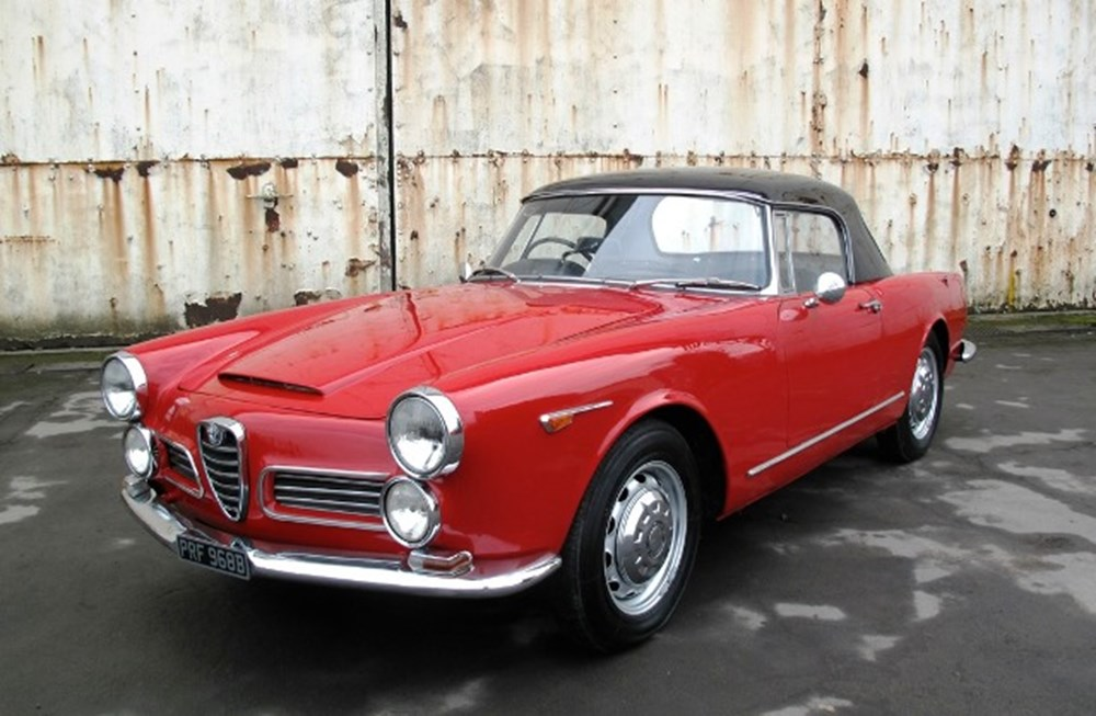 Lot 278 - 1964 Alfa Romeo 2600 Spider by Touring