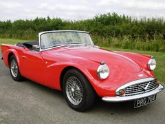 Navigate to Lot 228 - 1960 Daimler SP250