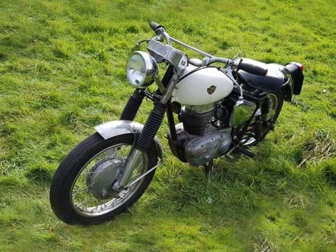 Ref 135  1960 Royal Enfield Crusader Sports