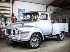Navigate to Lot 129 - 1961 Bedford J0 Pick Up