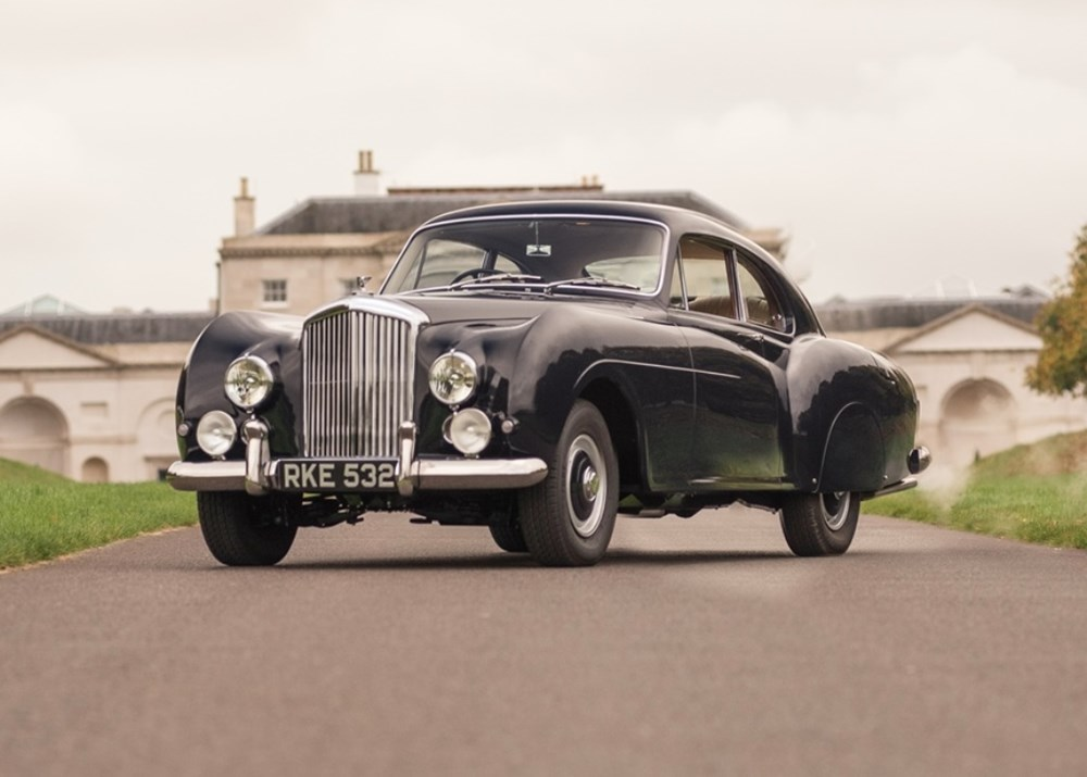 Lot 265 - 1953 Bentley R-Type Continental Mulliner-style Fastback Coupé