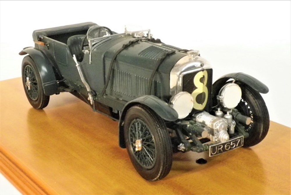 Lot 059 - Blower Bentley.