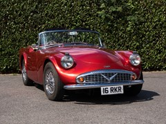 Navigate to Lot 196 - 1961 Daimler Dart SP250