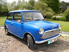 Navigate to Lot 108 - 1978 Mini 850