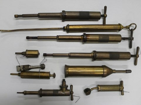Lot 4. Grease Guns